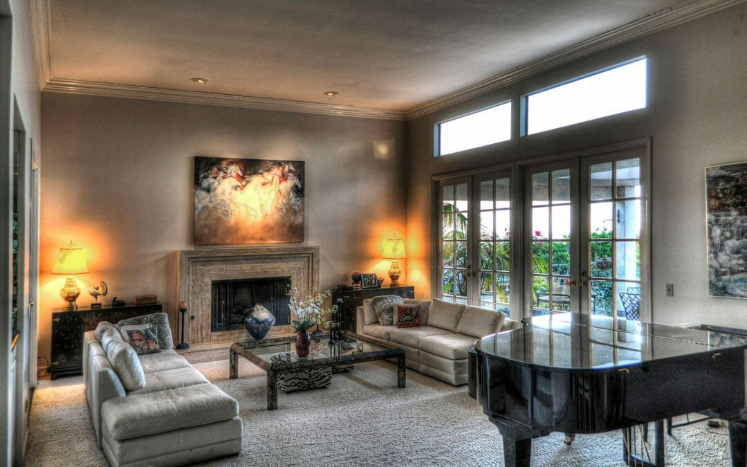 Living room ideas and 7 colors you should know before painting one.